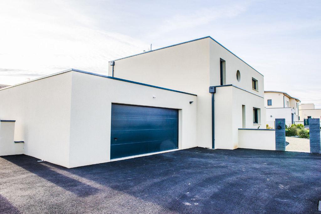 Maison moderne sur mesure toit plat