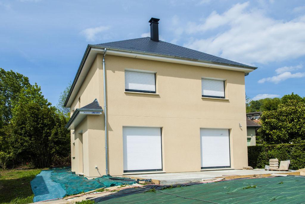 Maison toit 4 pans