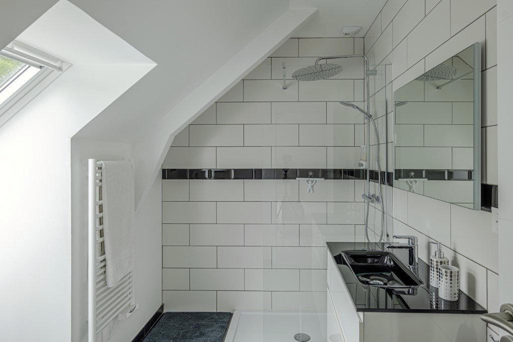 Maison contemporaine pays d'auge salle de bain
